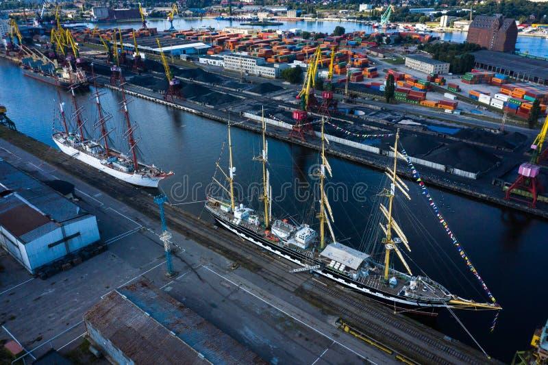 Баркес КРУЗЕНШТЕРН и Седов в порту Калининград стоковое изображение