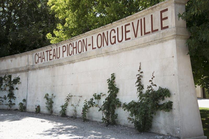 Барон Pichon Longueville замка на Pauillac Франции стоковая фотография