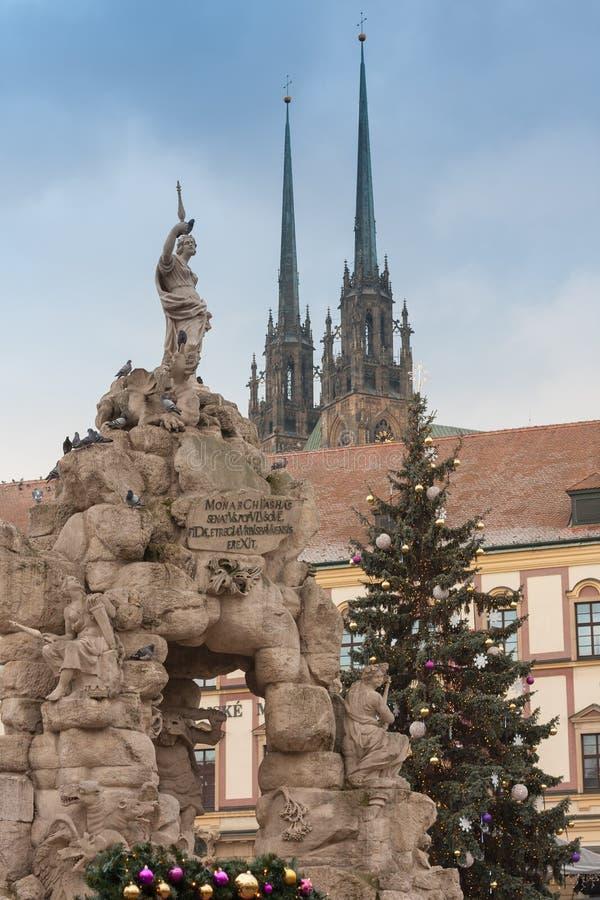 Барочные фонтан и рождественская елка Parnas стоковое фото