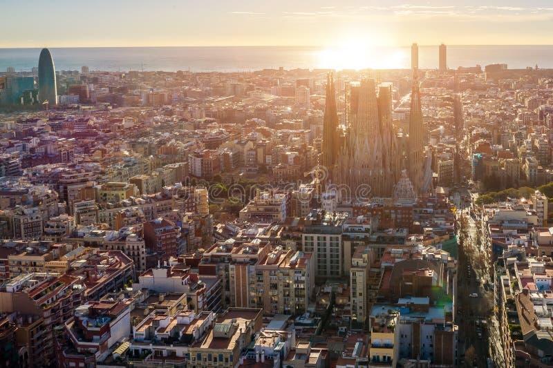 Барселона Испания вид с воздуха семья церков святейшая панорама zagreb Хорватии города капитолия стоковое изображение rf