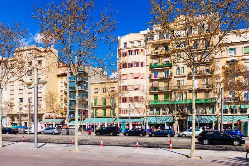 Рисуночное Ла Barceloneta домов. Барселона стоковая фотография