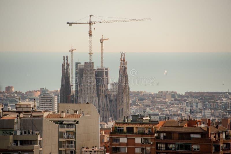БАРСЕЛОНА, ИСПАНИЯ - 4-ОЕ НОЯБРЯ 2018: Sagrada Familia семья церков базилики искупительная святейшая стоковая фотография