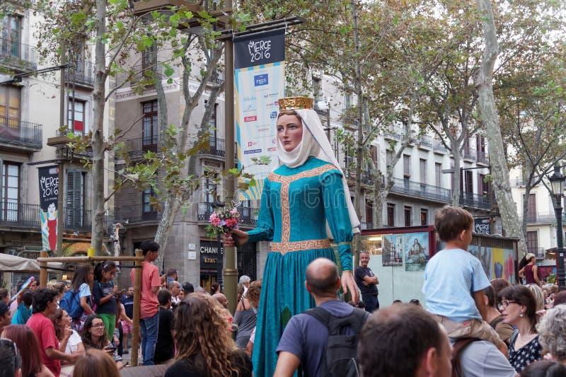 Барселона, Испания - 24-ое сентября 2016: Фестиваль Giants Merce Ла ежегодный проходит парадом стоковые изображения