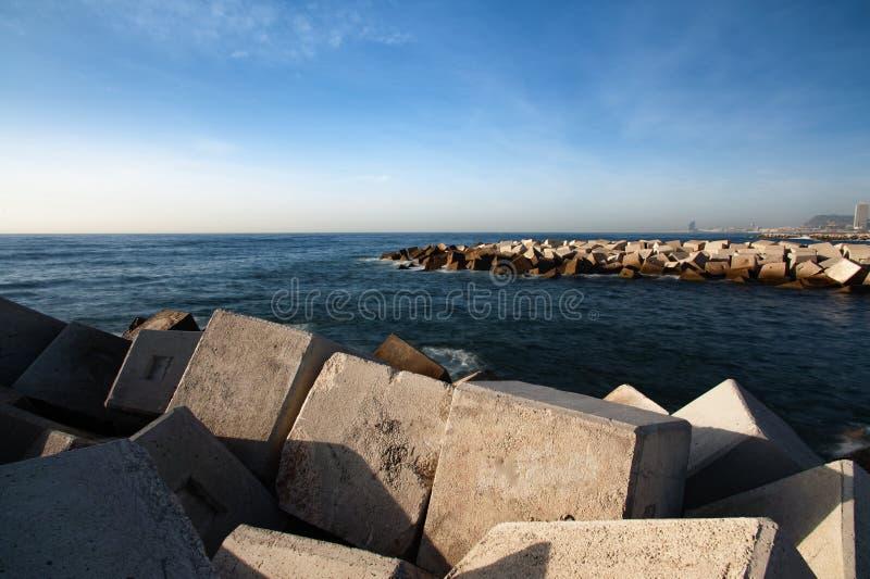 Барселона от waterbreaker стоковые фотографии rf