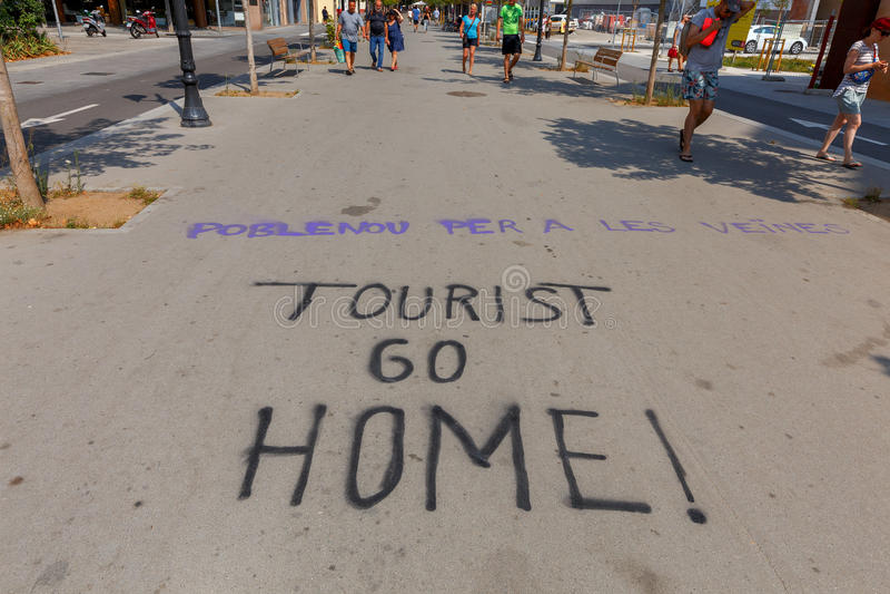 Барселона Протест граффити на дороге стоковые фото