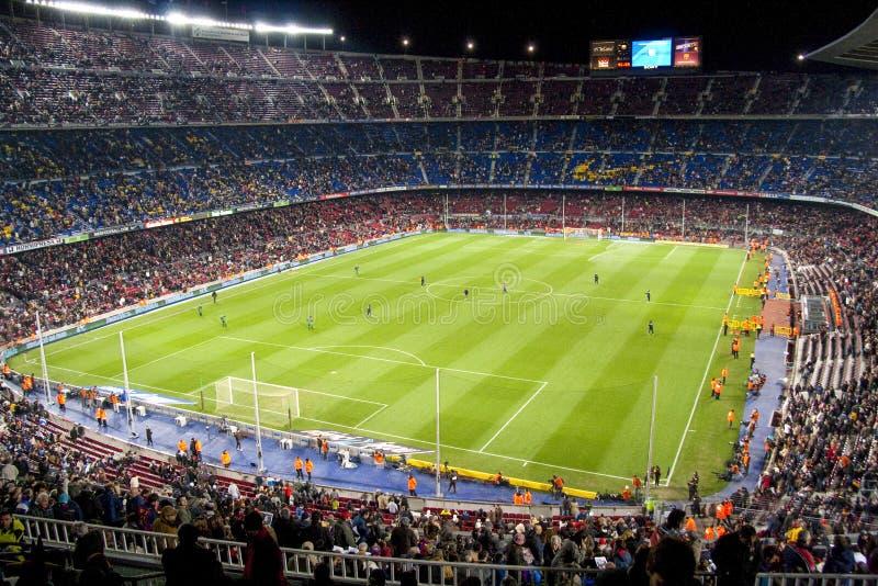 Барселона февраль 2009: FC Barcelona располагается лагерем стадион Nou перед футбольным матчем стоковое фото rf