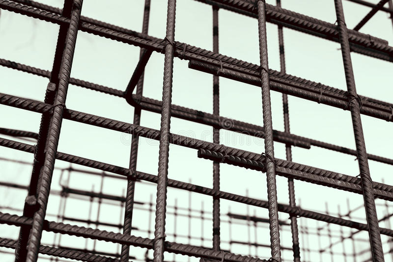 Бары подкрепления металла ржавые Усиливать стальные пруты для строя armature стоковое фото