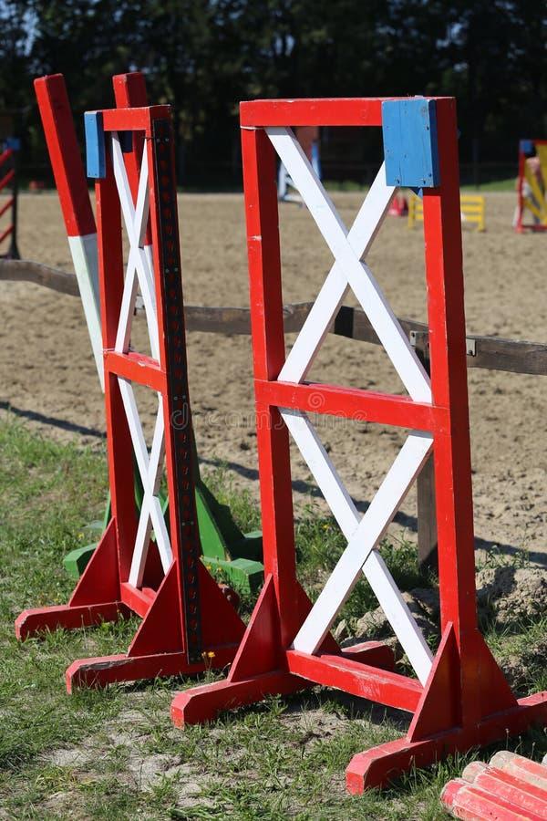 Бары препятствий Equitation для события лошади скача стоковое изображение