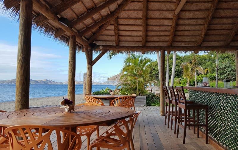 Бар пляжа рая на Невисе стоковое фото rf