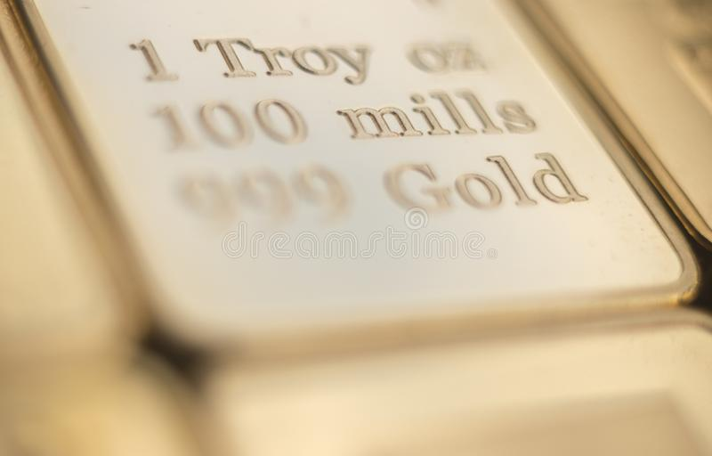 Бар слитка миллиарда золота стоковые изображения rf