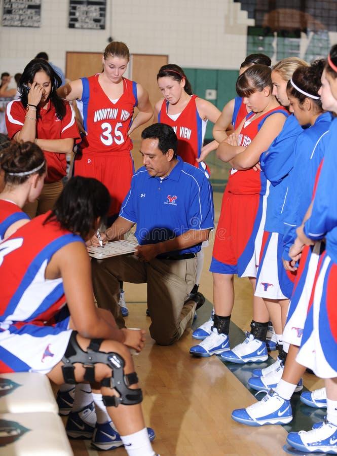 Баскетбол средней школы девушек стоковые изображения rf