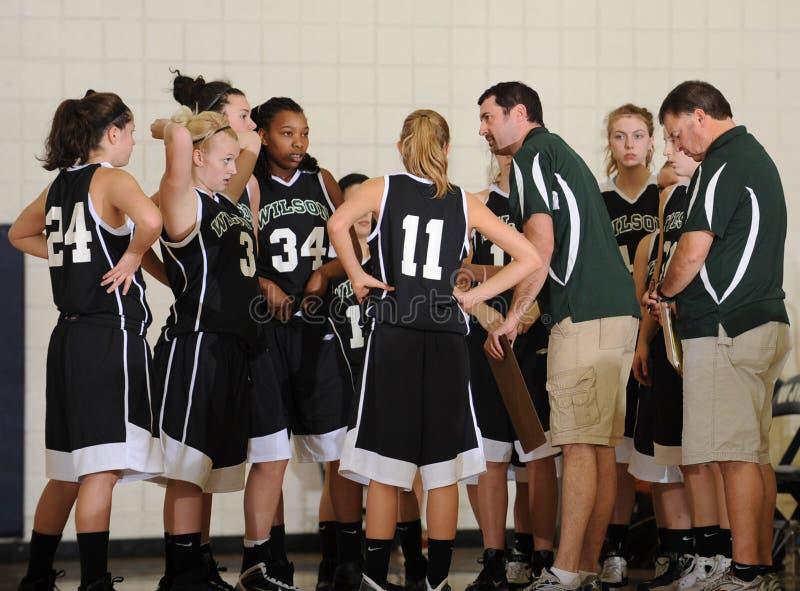 Баскетбол средней школы девушек стоковое фото