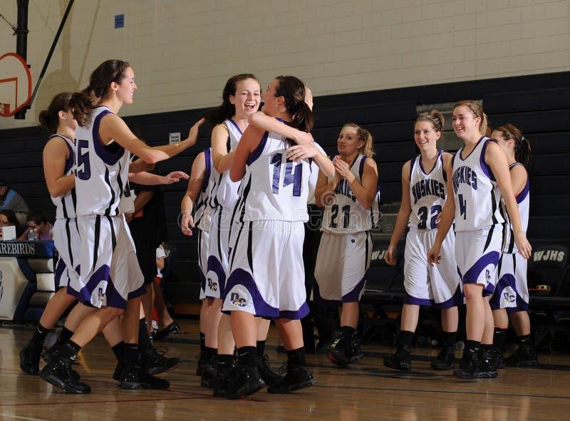 Баскетбол средней школы девушек стоковые изображения