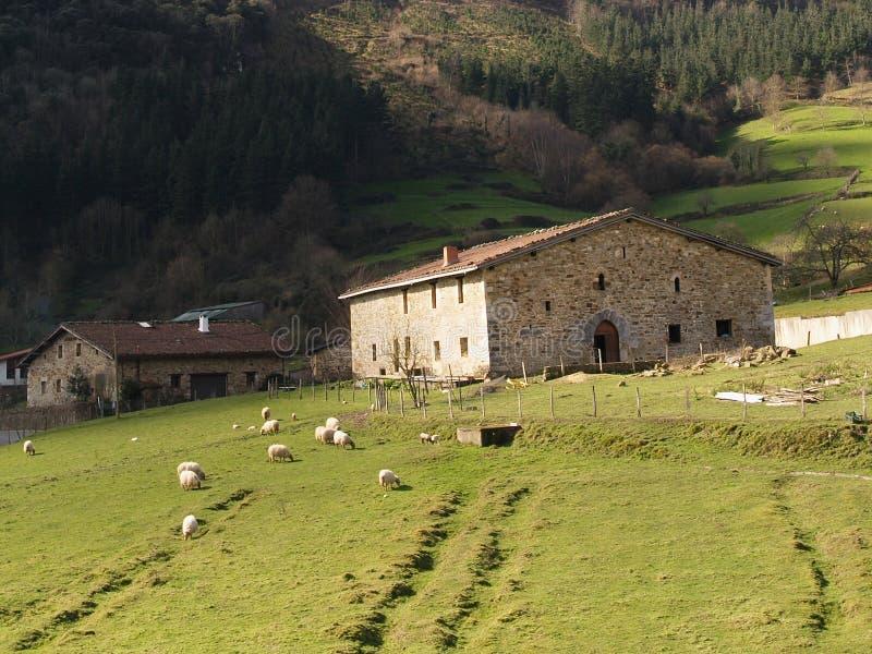 баскский сельский дом страны типичный стоковые изображения