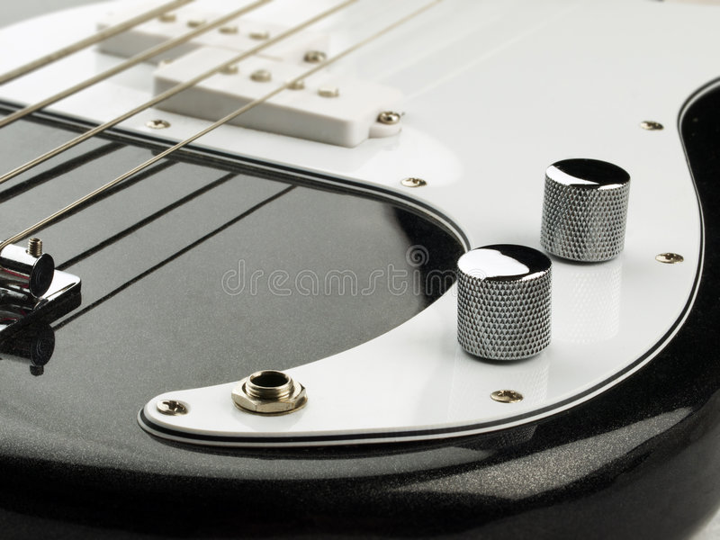 басовая гитара стоковые фото