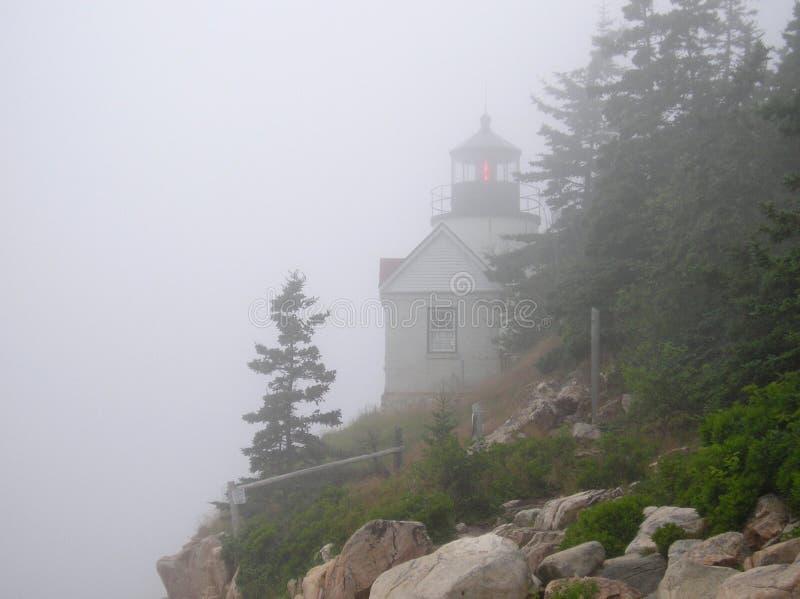 басовый маяк гавани тумана стоковые фотографии rf