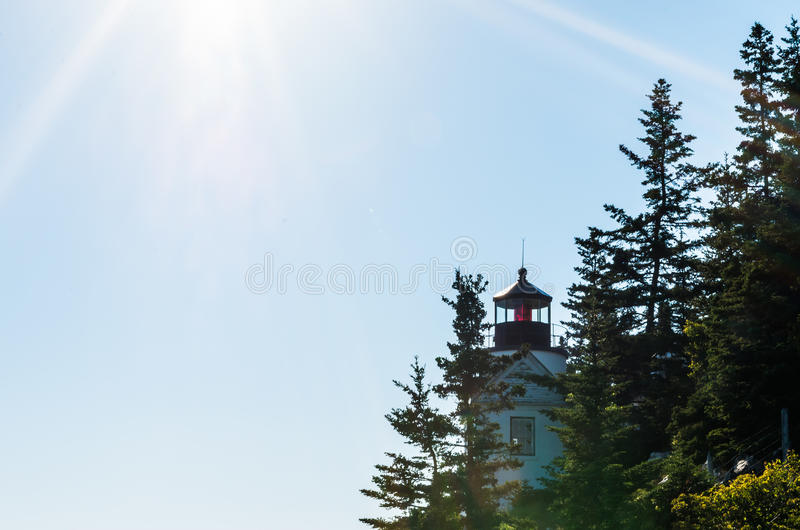 Download Басовый свет головы гавани с Sunrays Стоковое Изображение - изображение насчитывающей bluets, свет: 81807069