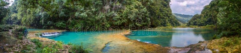 Бассейны Lanquin стоковое изображение