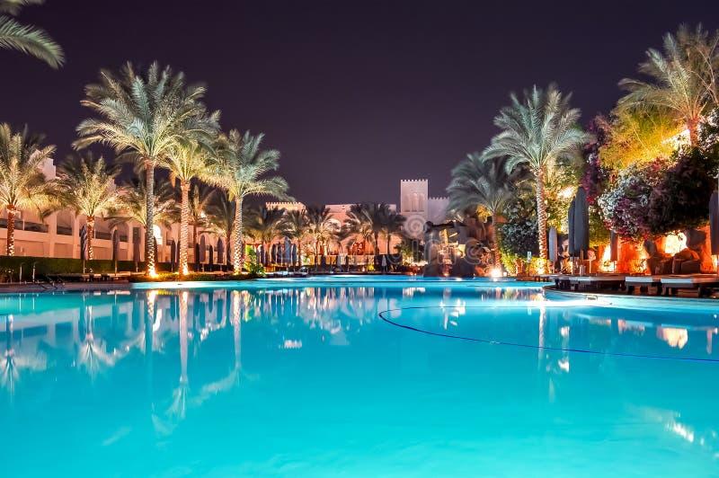 Бассейн вечером, Sharm El Sheikh, Египет стоковое фото rf