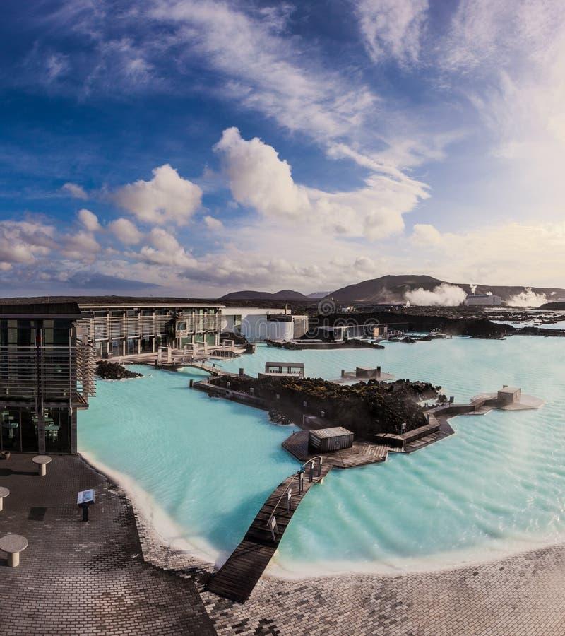 Бассейн голубой лагуны внешний геотермический, Исландия стоковое фото