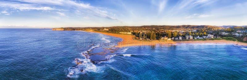 Бассейн пляжа Вейл d Mona от лотка моря стоковое фото