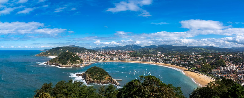 Бахя de Ла Concha к San Sebastian в Испании стоковые фото
