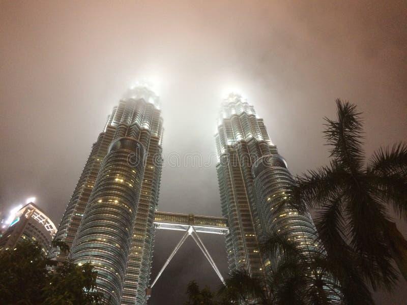 Башни Близнецы Petronas в Куалае-Лумпур Малайзия стоковое изображение rf
