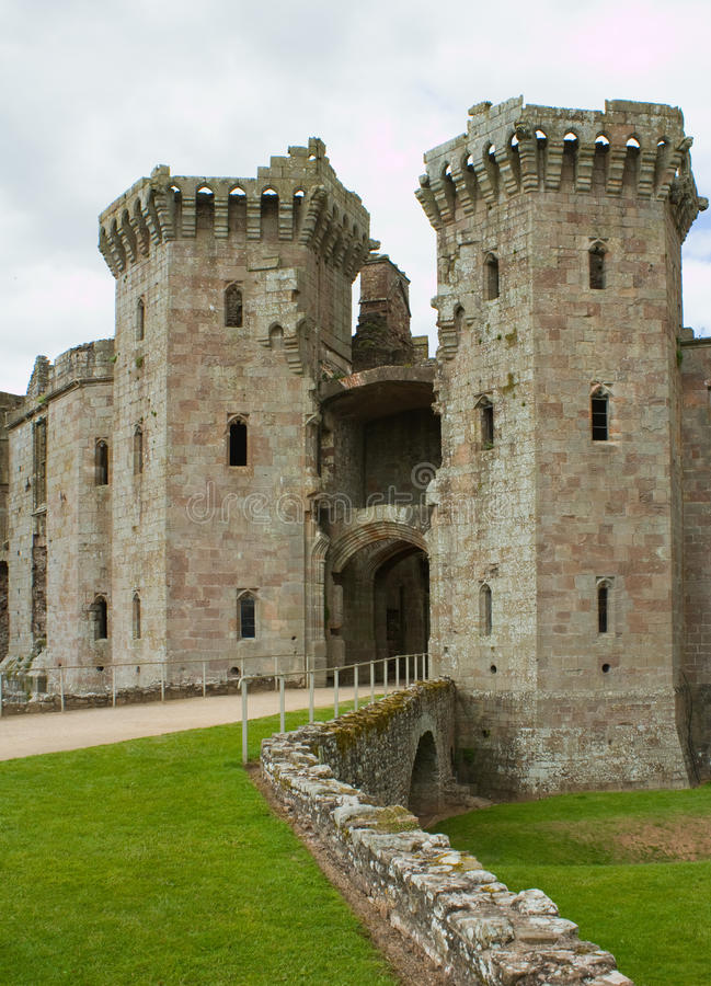 Башни входа замка Raglan стоковая фотография rf