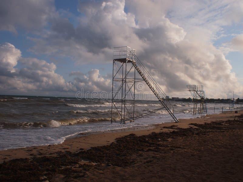 Башни спасения на море стоковое изображение