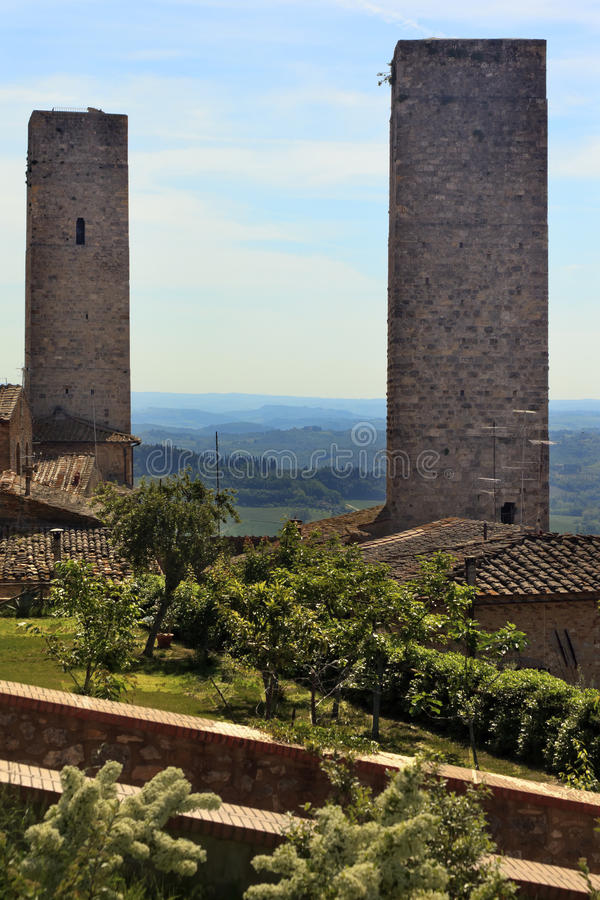 башни Тоскана Италии средневековые san gimignano каменные стоковое изображение rf