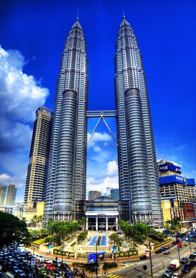 Башни Petronas в HDR стоковое фото
