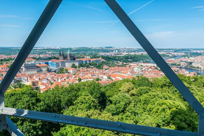 Башня бдительности Petrin в Праге, чехии стоковые фотографии rf