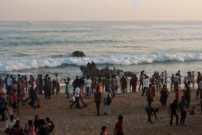 Download Башня вахты для туриста на пляже Редакционное Фотография - изображение насчитывающей наслаждаться, baxter: 41657612
