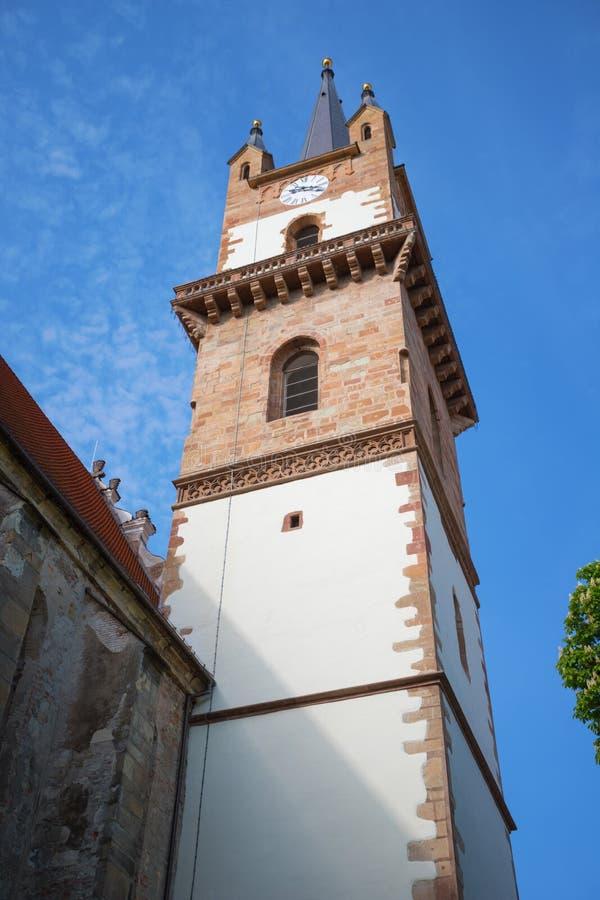 Башня евангелической церкви в Bistrita стоковые фотографии rf