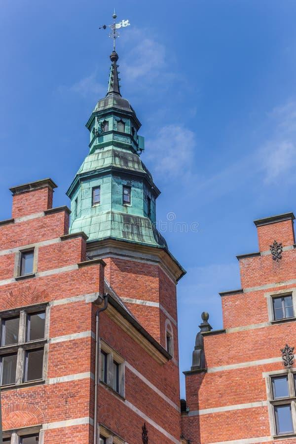 Башня здания Landschaftshaus в Aurich стоковая фотография rf
