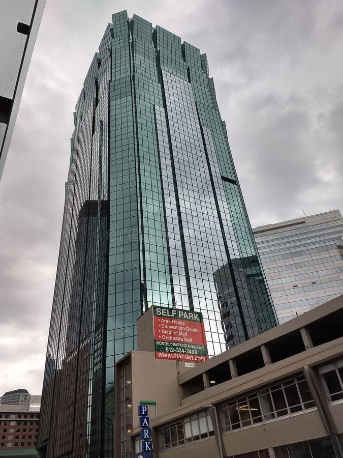 Башня зеркал стоковые фотографии rf