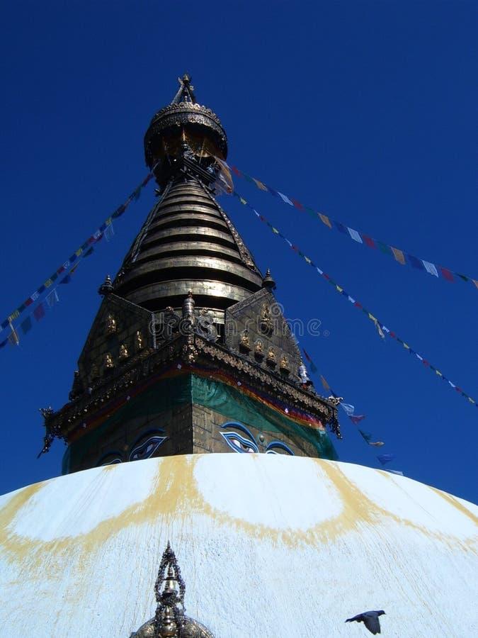 Башня и крыша стопы Сваямбхунат в Катманду стоковое фото rf
