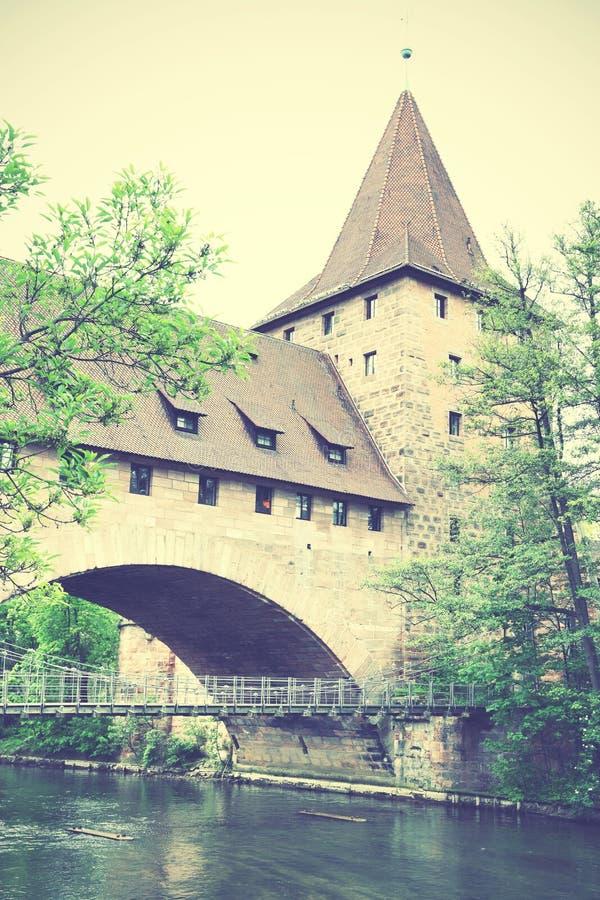 Башня и мост в Нюрнберге стоковые фотографии rf