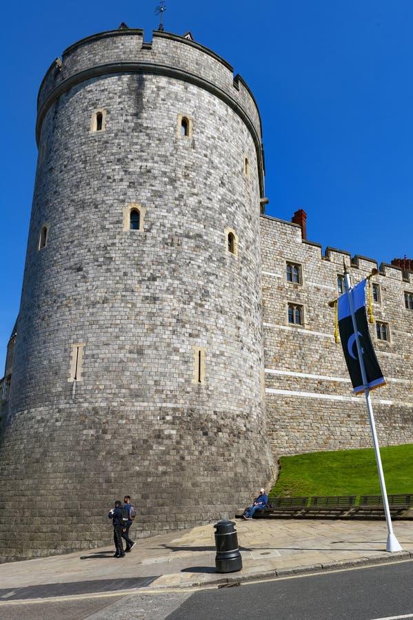 Башня комендантского часа, колокольня коллежа St. George на замке Виндзора, королевской резиденции на Виндзоре в графстве Беркшир стоковое изображение