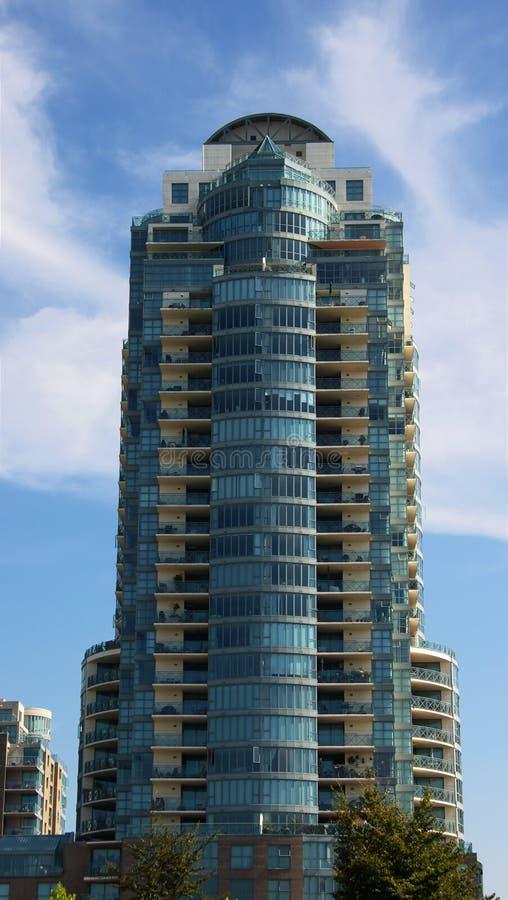 башня кондоминиума самомоднейшая стоковые фотографии rf