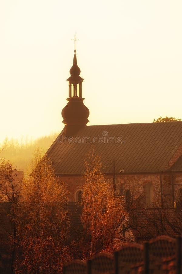 Башня малой церков кирпича Святыня стоковое изображение