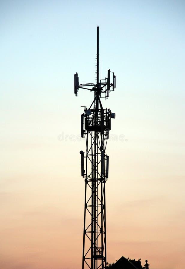 башня мобильного телефона стоковые изображения