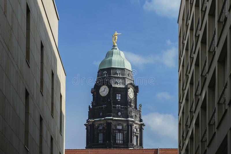 Башня новой ратуши Дрездена в немецком городе Dresde стоковые фотографии rf