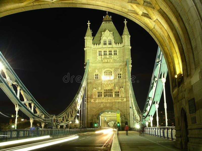 башня ночи моста стоковое фото rf
