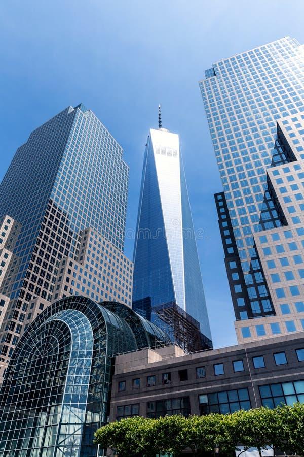 Башня свободы от гавани Манхаттана Нью-Йорка стоковое изображение rf
