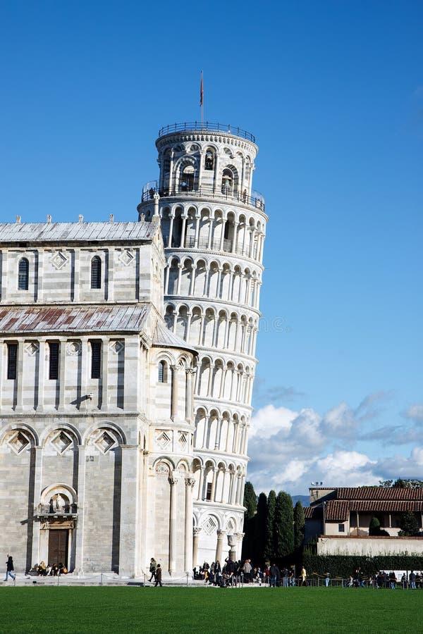 Башня собора и склонности Пизы, Италии стоковое фото rf