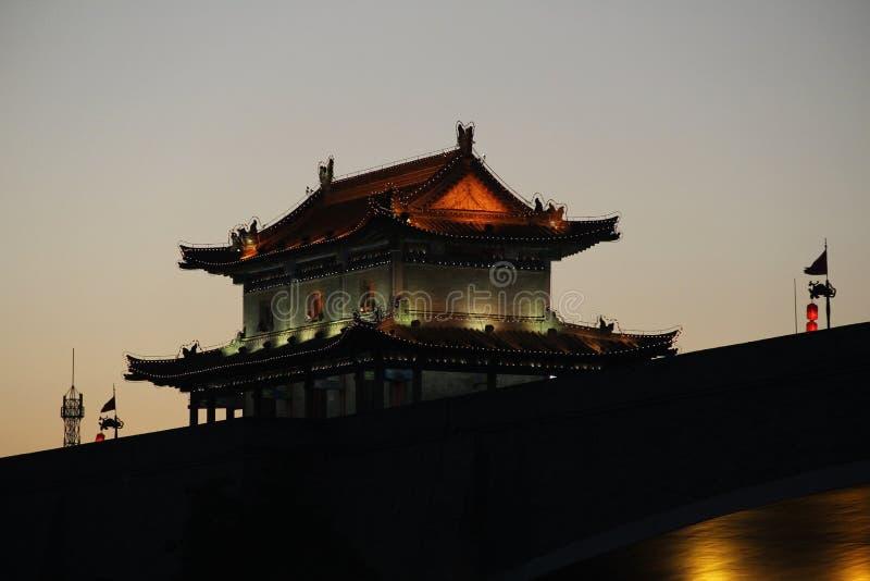 Башня стены древнего города Xian, Китая стоковые фотографии rf