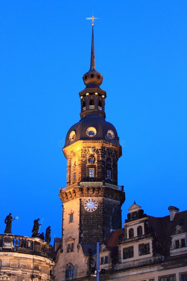 Башня с часами дворца Дрездена королевского стоковые фотографии rf
