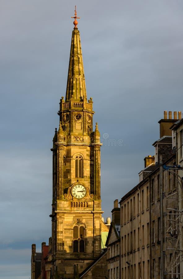 Башня с часами кирки Tron в Эдинбурге, Шотландии стоковые фотографии rf