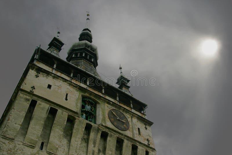 Башня с часами Sighisoara в Трансильвании, Румынии стоковое фото